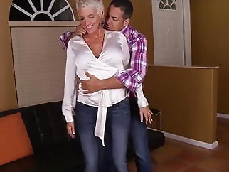 Cougar Lexy gets nice fuck from a young guy xxxbucker blonde