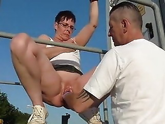 Mature fisted outdoor xxxbucker mature