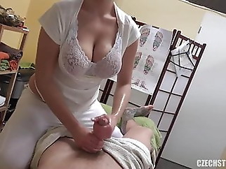 MASSEUSE WITH BIG NATURAL TITS TAKES CASH FOR SEX xxxbucker blonde