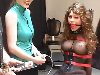 Brunette Doesn't Want to Get Off of the Fuck Chair xxxbucker bdsm