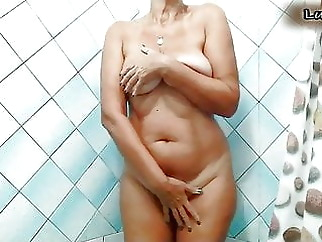 Lukerya in the shower xxxbucker brunette