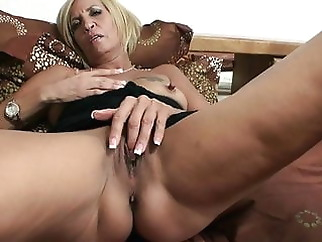 Mature smoker with big nipples xxxbucker amateur